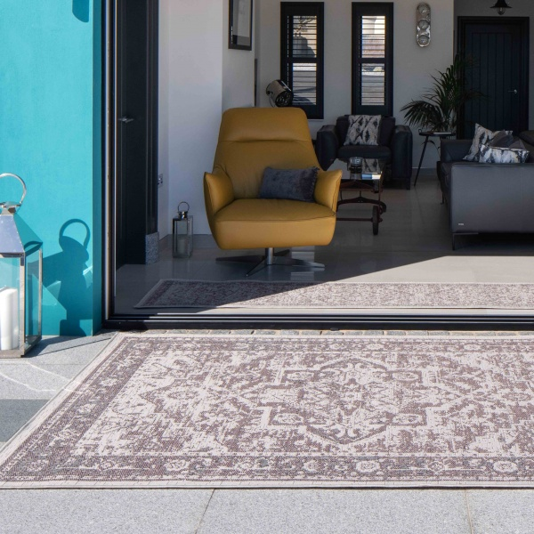 Blush Pink Distressed Oriental Weatherproof Outdoor Garden Rug - Adana