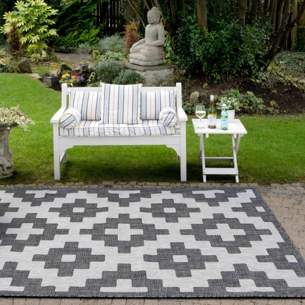 Black Grey Geometric Weatherproof Outdoor BBQ Area Rug - Florida